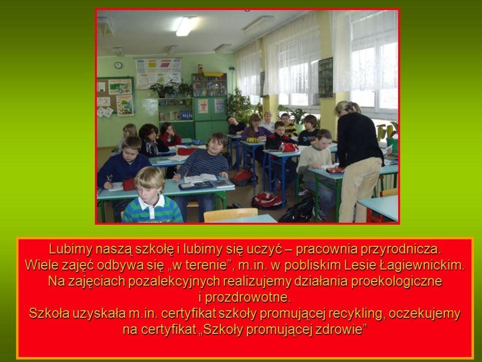 Lubimy naszą szkołę i lubimy się uczyć – pracownia przyrodnicza.