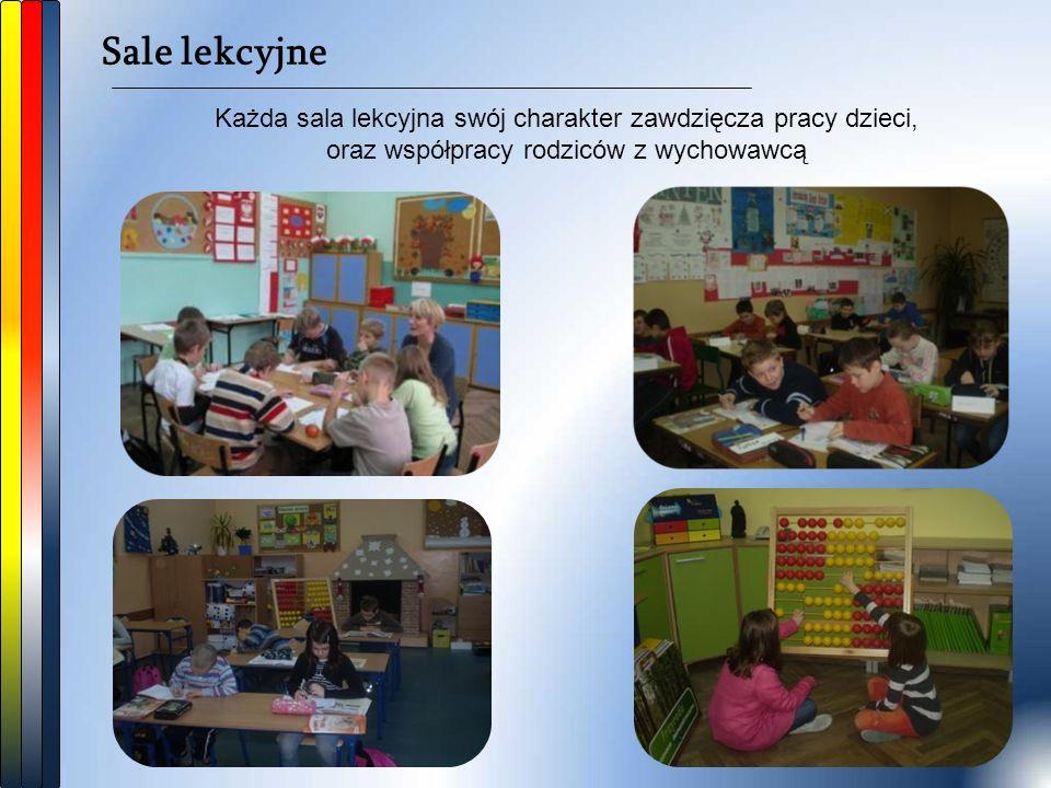 Sale lekcyjne Każda sala lekcyjna swój charakter zawdzięcza pracy dzieci, oraz współpracy rodziców z wychowawcą