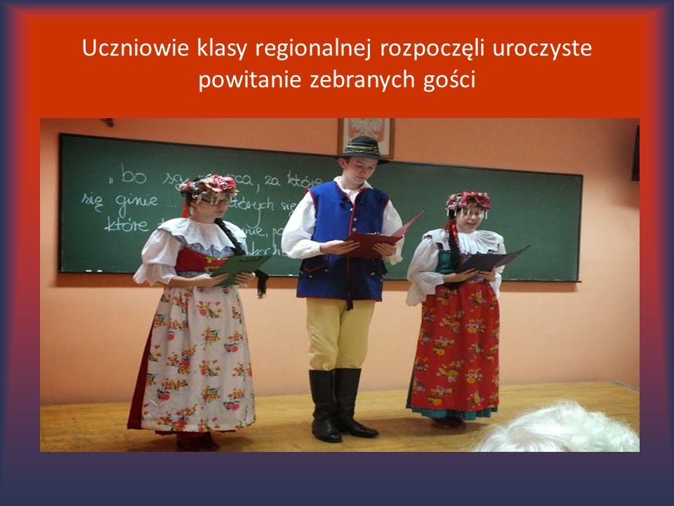 W spektaklu ujęto tak długo wyczekiwaną przez Polskę chwilę odzyskania niepodległości w 1918 r.