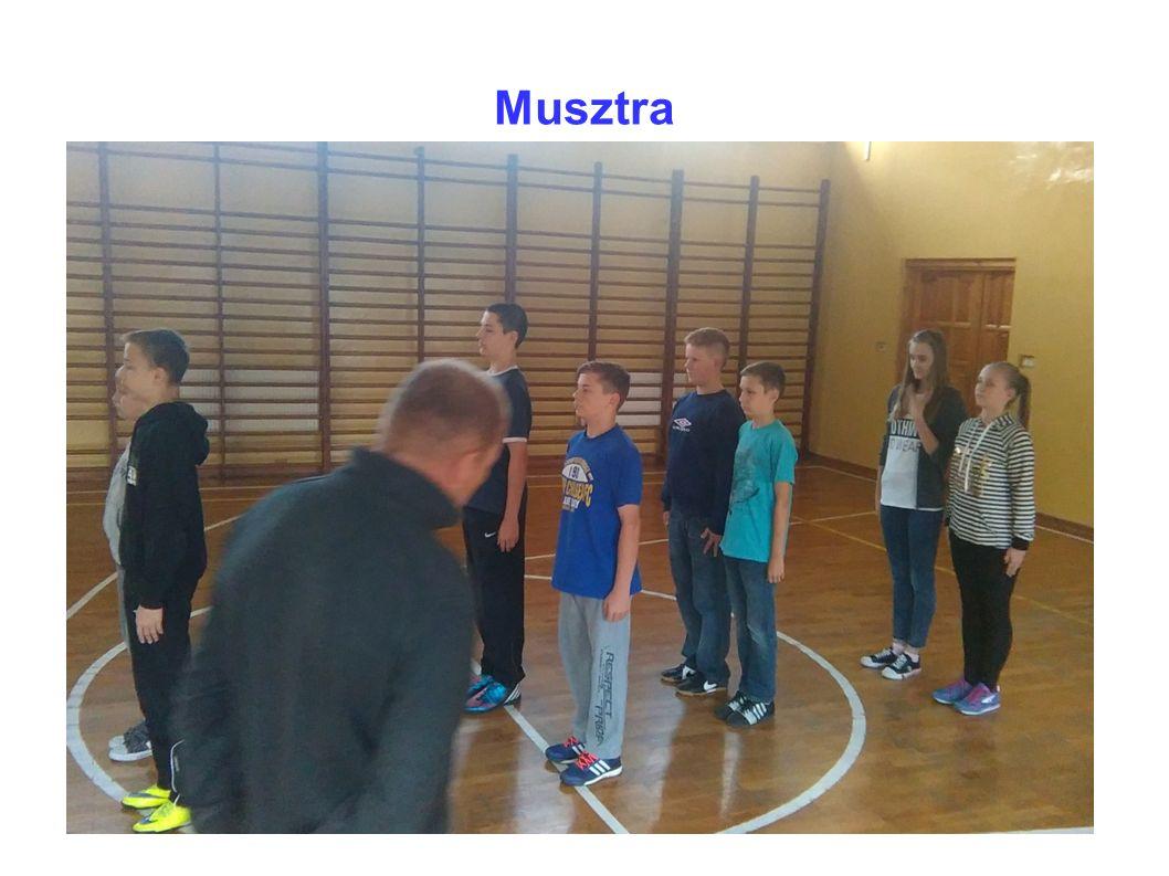 Musztra