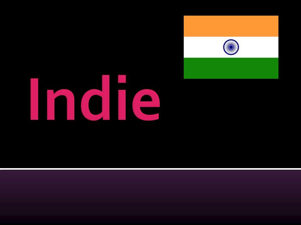  Od północy Indie są ograniczone przez pasma górskie: Karakorum i Himalaje.