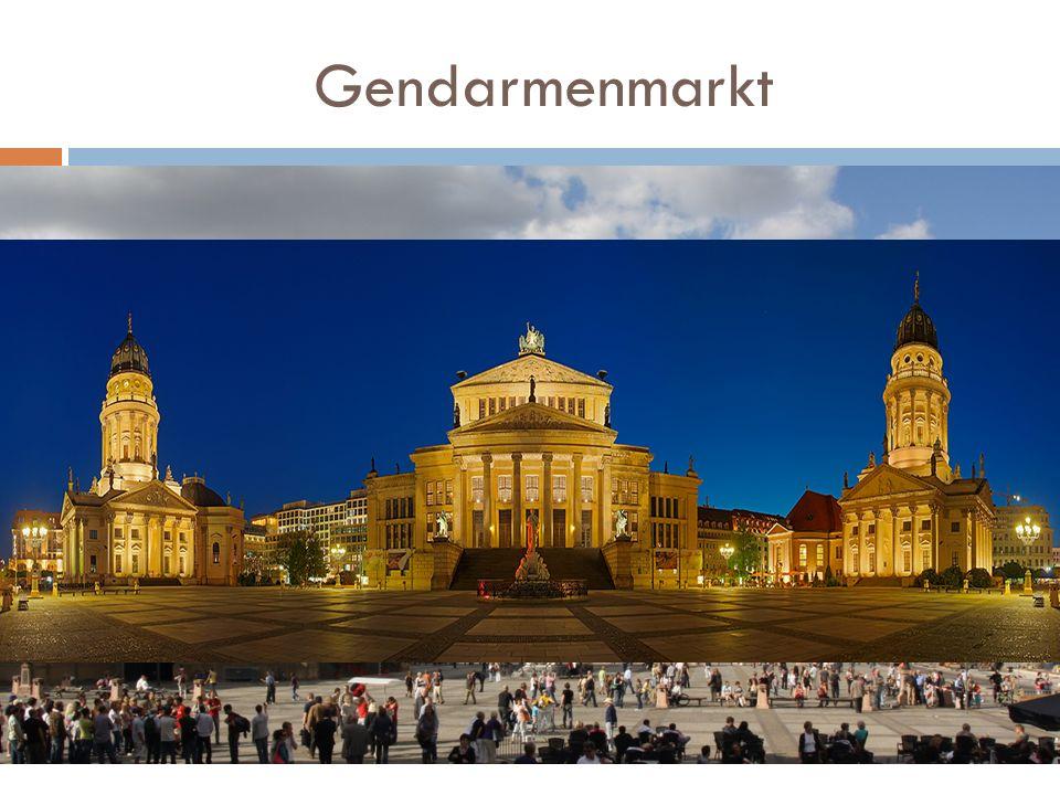 Gendarmenmarkt Plac w historycznym centrum Berlina, uchodzi za najpiękniejszy plac Berlina. Pośrodku placu stoi Konzerthaus (dawny Spielhaus), po stro