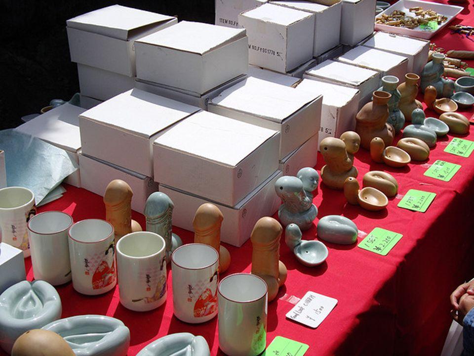 Pamiątki sprzedawane podczas festiwalu