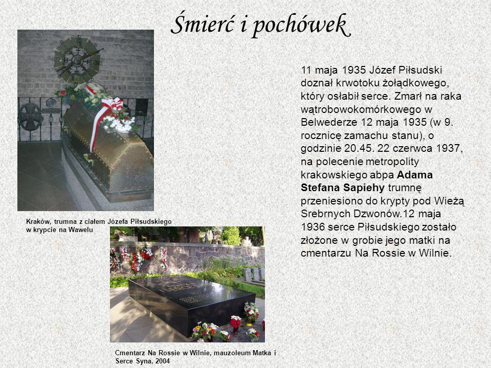 Śmierć i pochówek 11 maja 1935 Józef Piłsudski doznał krwotoku żołądkowego, który osłabił serce.