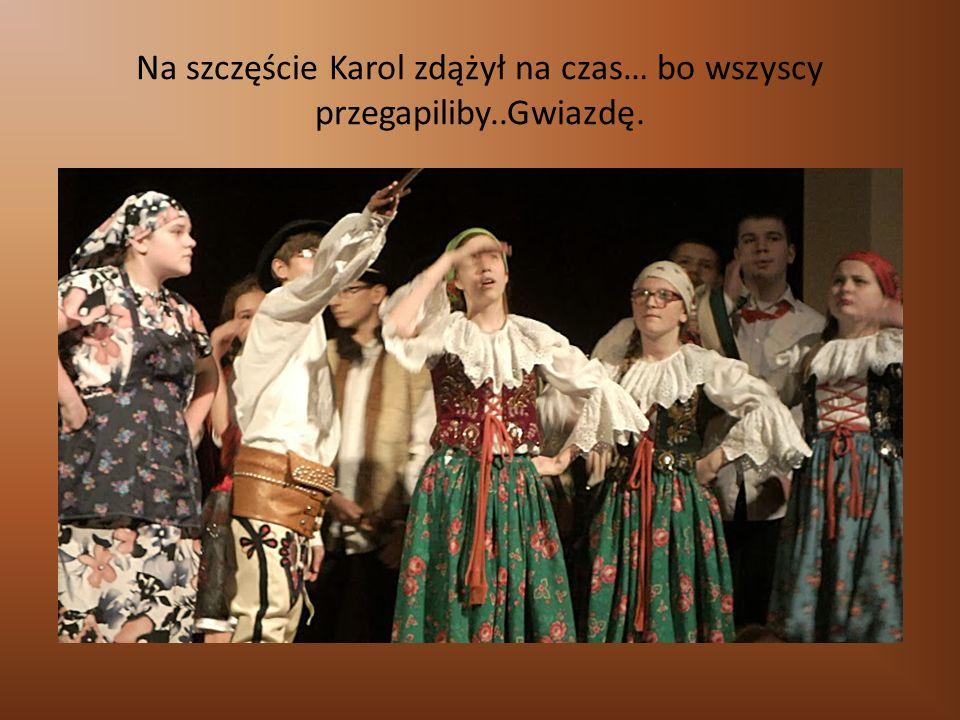 """Spektakl klasy II ag Wzruszająca, pełna emocji sztuka """"Znów obok nas Do zapamiętania: Płyty trzeba sprawdzać."""