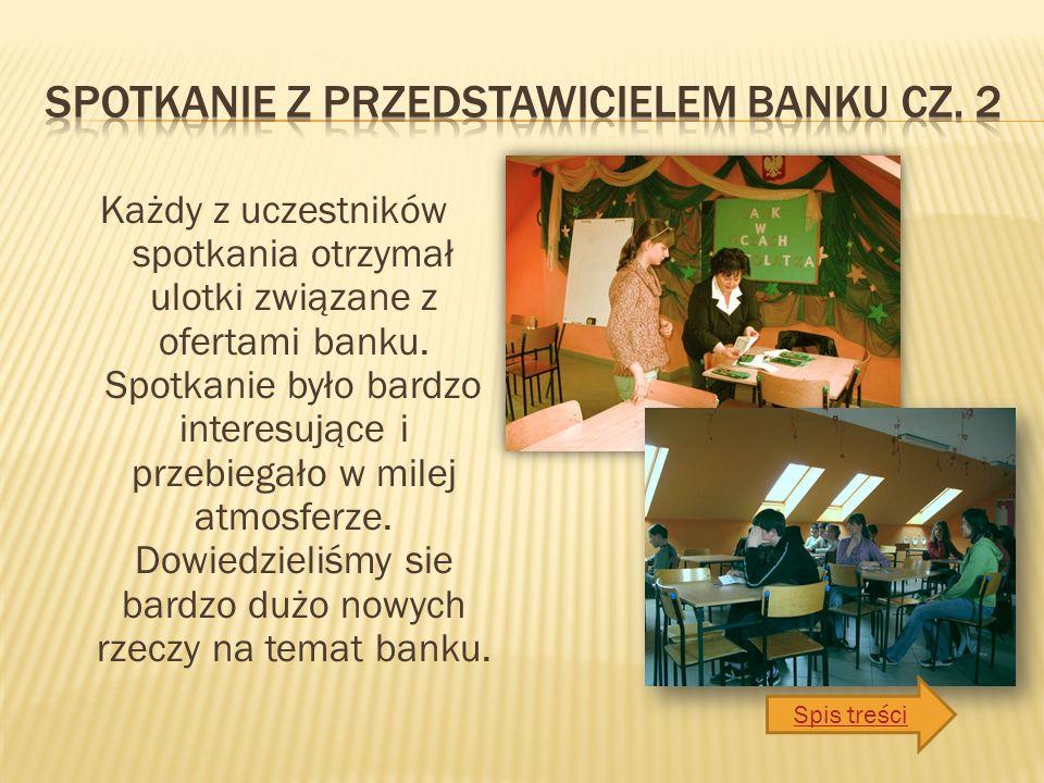 Każdy z uczestników spotkania otrzymał ulotki związane z ofertami banku.