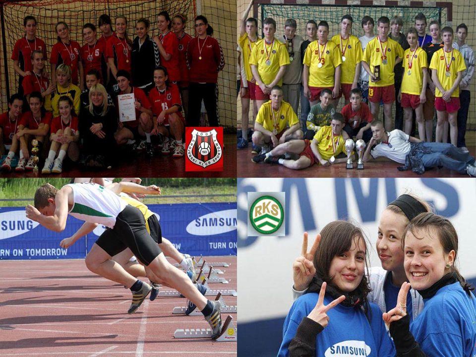 W szkole istnieją klasy sportowe dla uczniów i uczennic trenujących piłkę ręczną oraz lekką atletykę.
