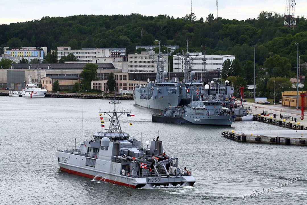 A535 Okręt logistyczny i ratowniczy HNOMS VALKYRIEN - Norwegia M1069 Niszczyciel min FGS HOMBURG - Niemcy M350 Niszczyciel min HNOMS ALTA - Norwegia