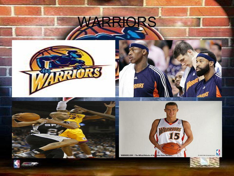 Zasady W koszykówkę grają dwie drużyny, po pięciu zawodników każda.