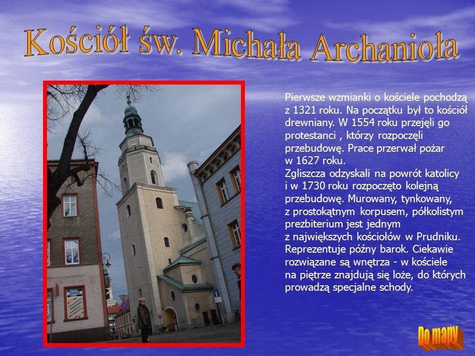 Miejska łaźnia powstała w 1906 roku, głównie dzięki fundacji rodziny Franklów, ówczesnych właścicieli wielkich zakładów przędzalniczych.