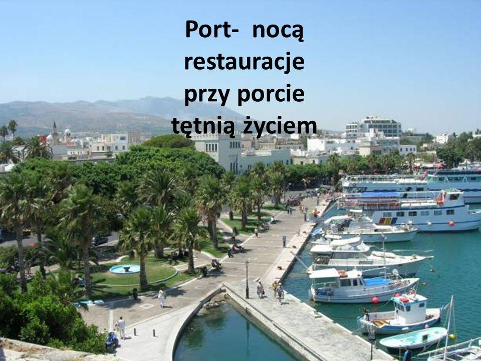 Port- nocą restauracje przy porcie tętnią życiem