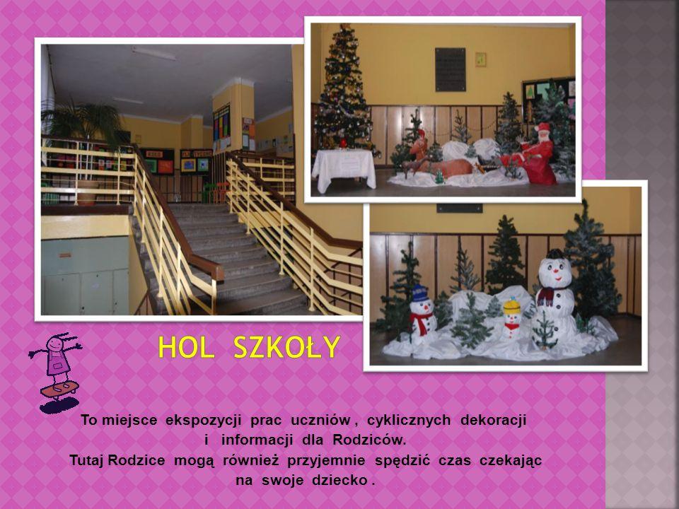To miejsce ekspozycji prac uczniów, cyklicznych dekoracji i informacji dla Rodziców.