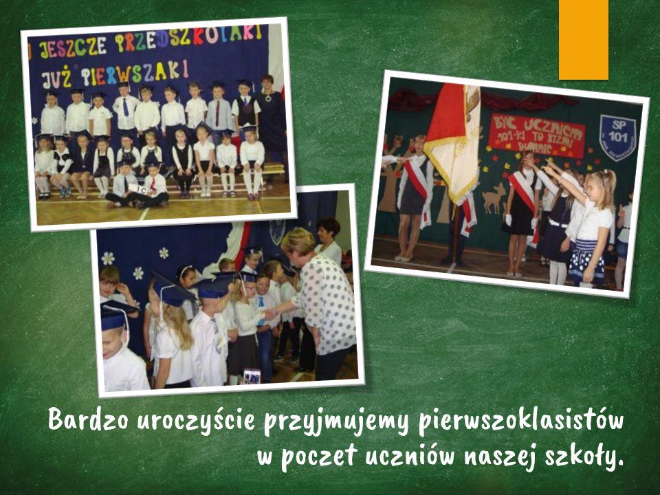 Bardzo uroczyście przyjmujemy pierwszoklasistów w poczet uczniów naszej szkoły.