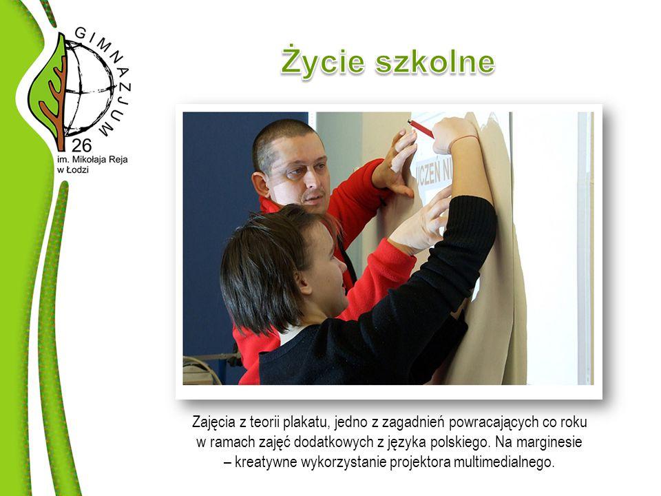 Zajęcia z teorii plakatu, jedno z zagadnień powracających co roku w ramach zajęć dodatkowych z języka polskiego.