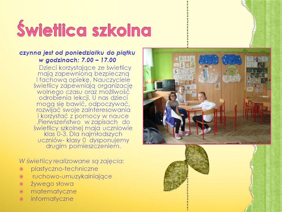 czynna jest od poniedziałku do piątku w godzinach: 7.00 – 17.00 Dzieci korzystające ze świetlicy mają zapewnioną bezpieczną i fachową opiekę.