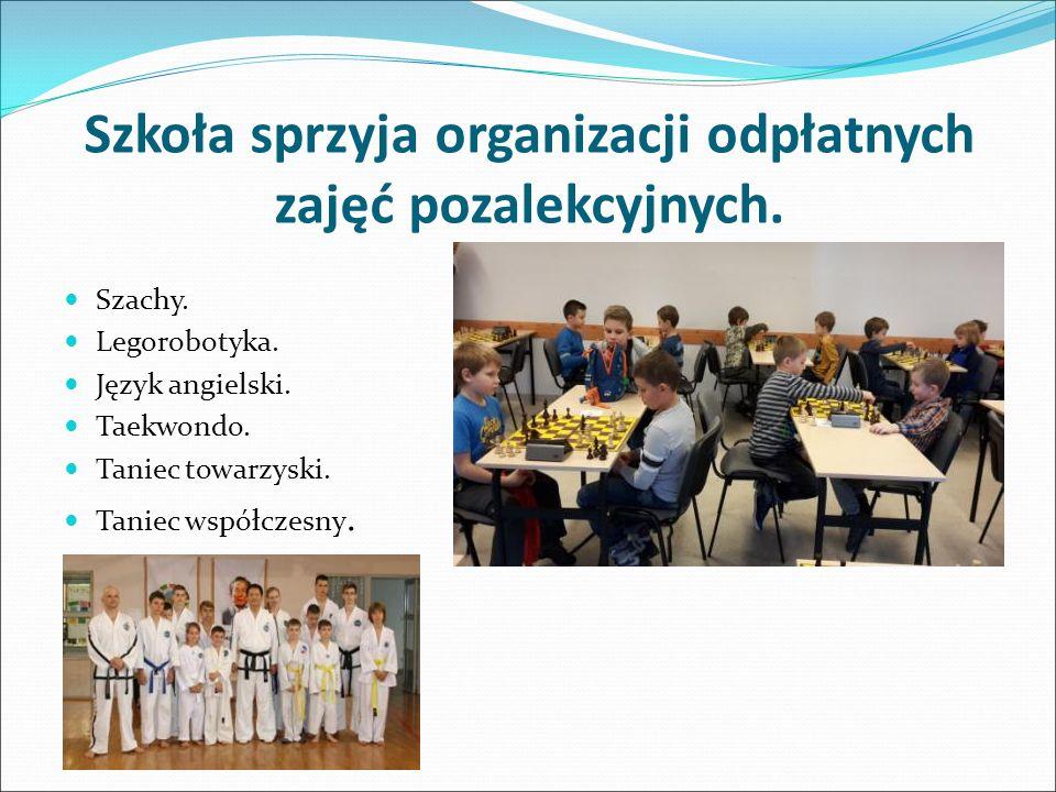 Szkoła sprzyja organizacji odpłatnych zajęć pozalekcyjnych.