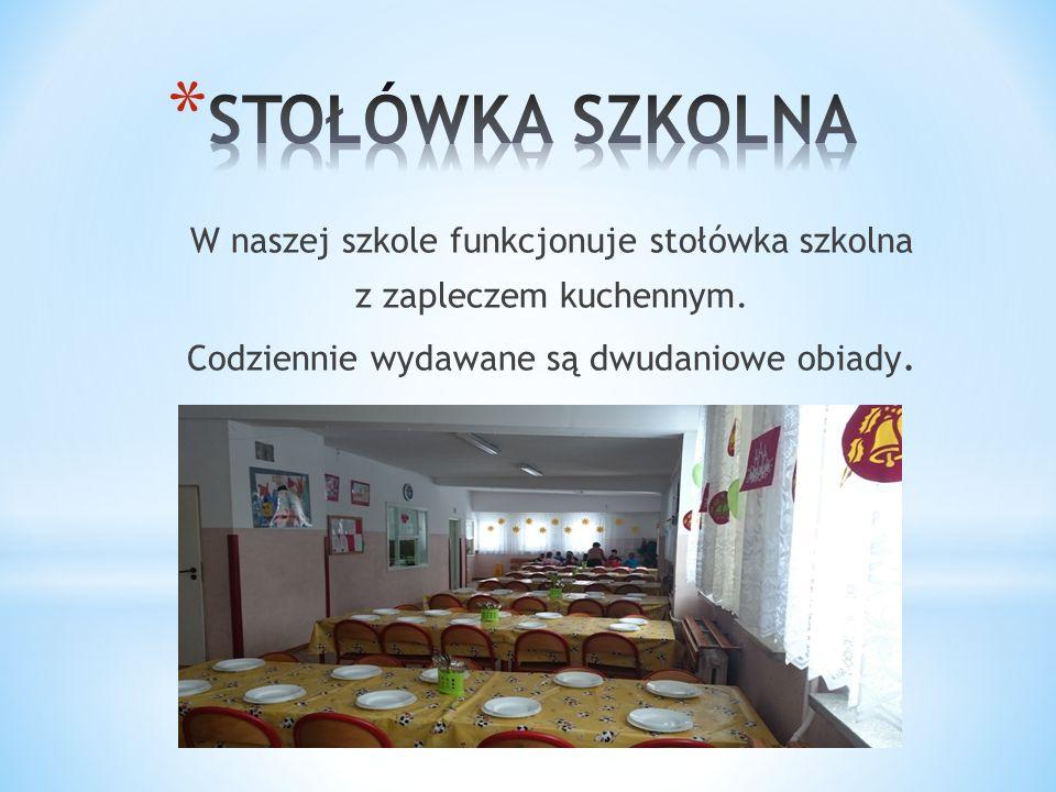 W naszej szkole funkcjonuje stołówka szkolna z zapleczem kuchennym.