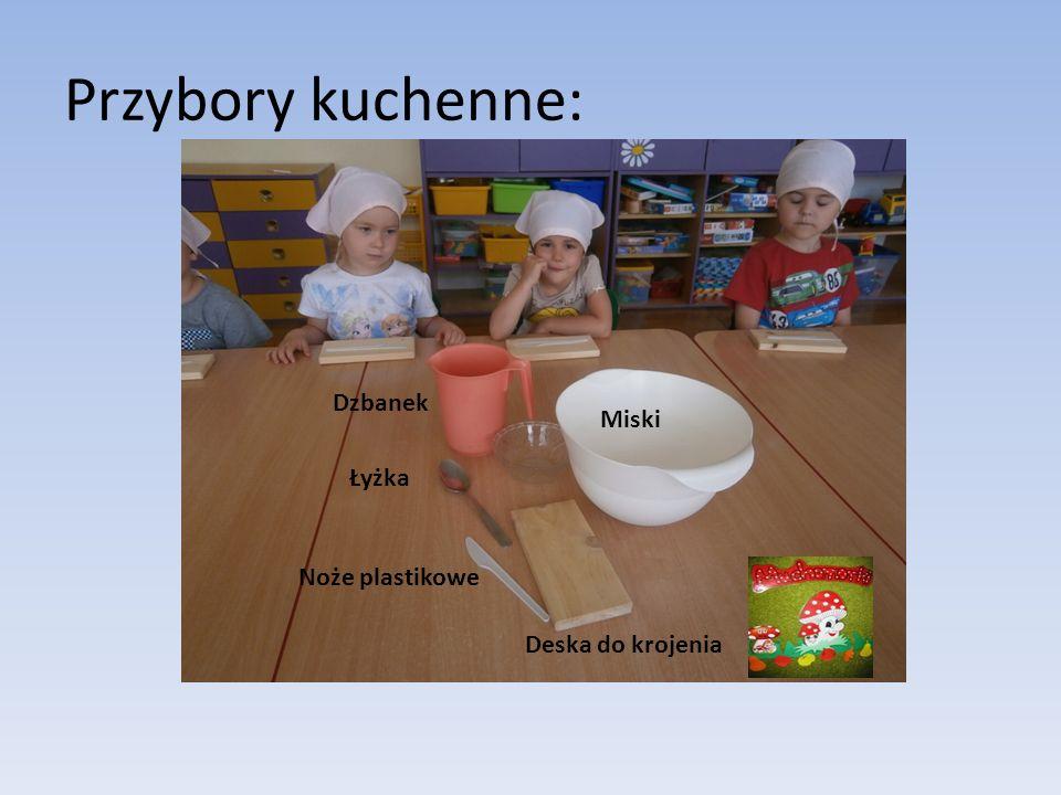 Przybory kuchenne: Deska do krojenia Miski Łyżka Noże plastikowe Dzbanek