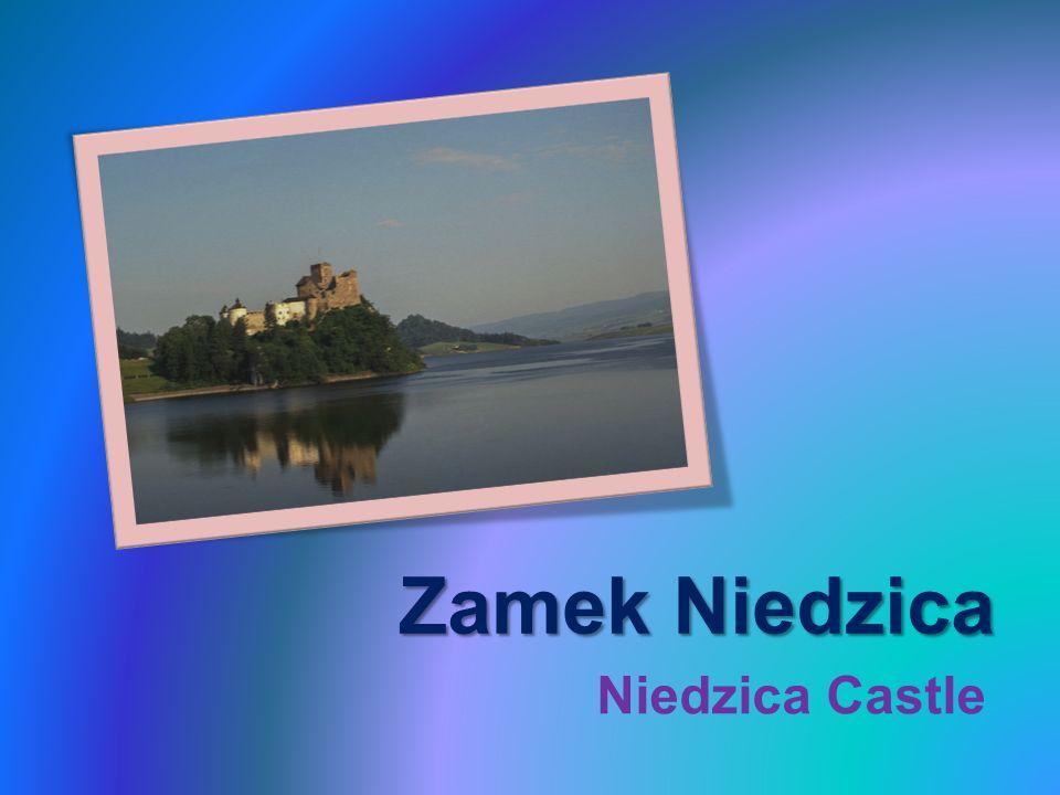 Zamek Dunajec – średniowieczna warownia znajdująca się na prawym brzegu Zbiornika Czorsztyńskiego we wsi Niedzica-Zamek.