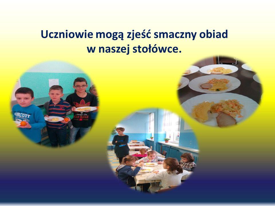 Uczniowie mogą zjeść smaczny obiad w naszej stołówce.