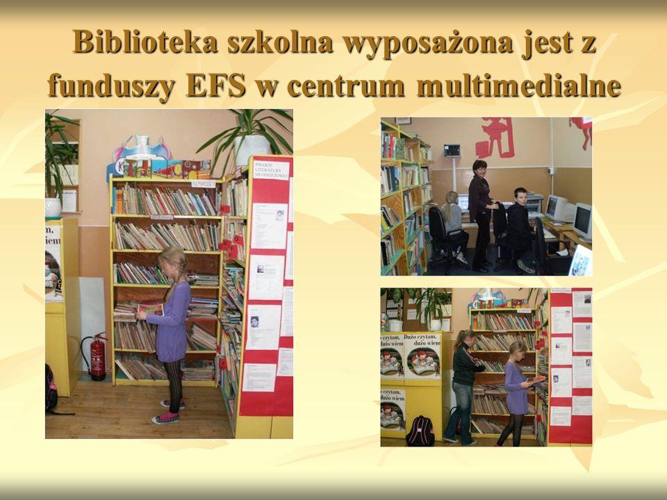 Biblioteka szkolna wyposażona jest z funduszy EFS w centrum multimedialne