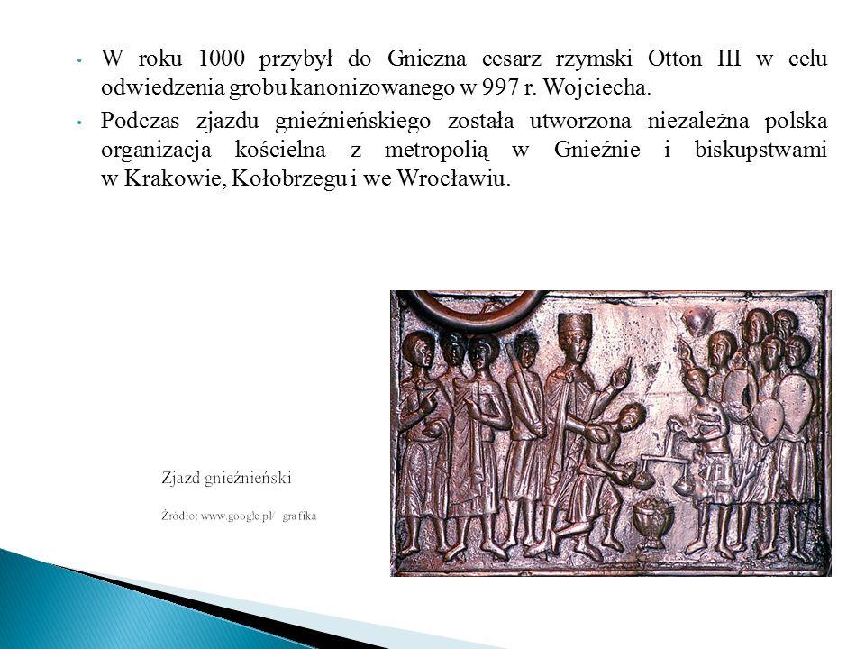 * Podczas zjazdu Otton III wręczył także B.Chrobremu diadem i włócznię św.