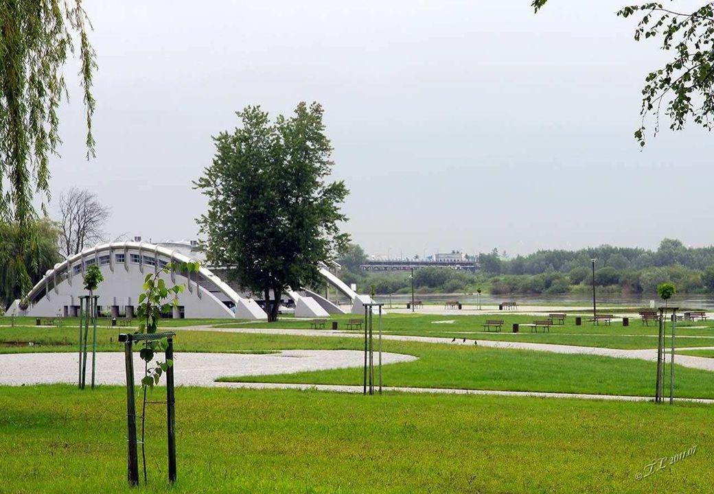 Sandomierz 50°41′N 21°45′E Sandomierz - miasto w woj.