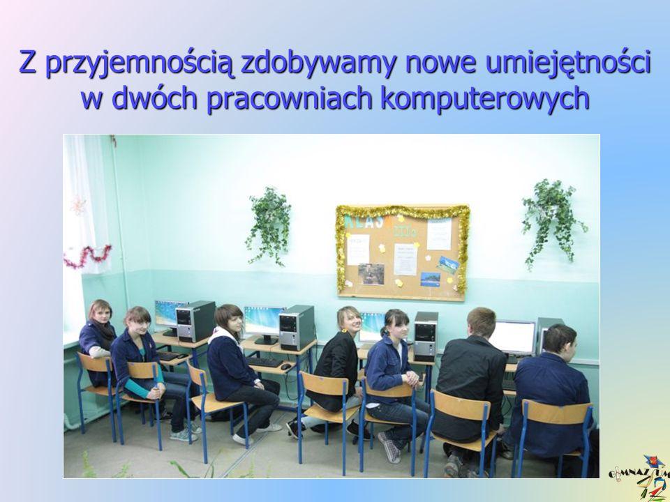 Uczymy się w jasnych, przestronnych pracowniach, a Szkoła jest kolorowa
