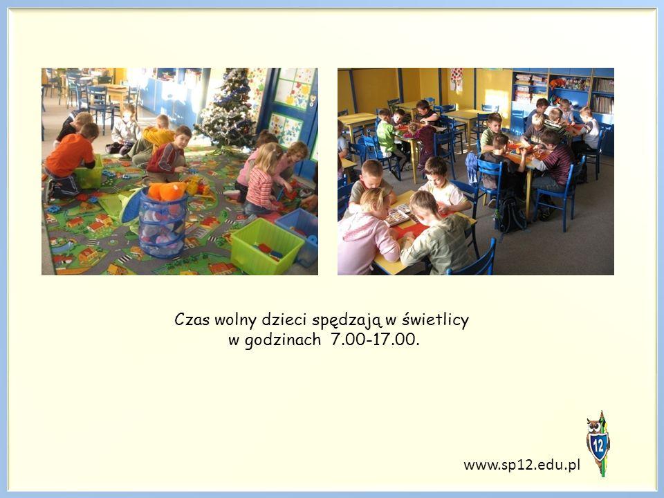 Czas wolny dzieci spędzają w świetlicy w godzinach 7.00-17.00.