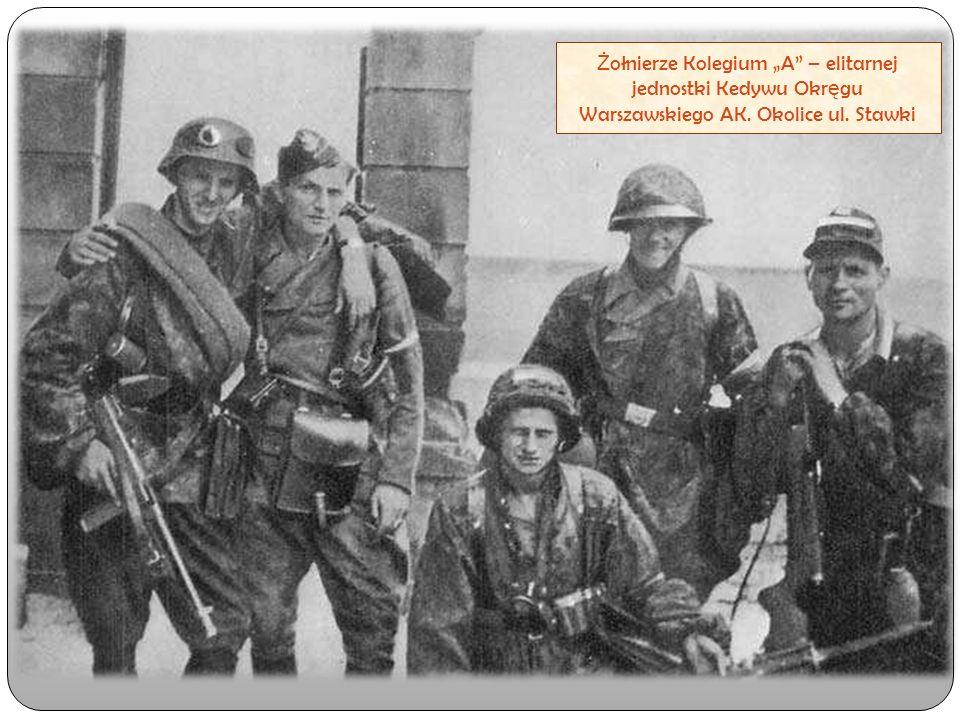 """Ż ołnierze Kolegium """"A"""" – elitarnej jednostki Kedywu Okr ę gu Warszawskiego AK. Okolice ul. Stawki"""
