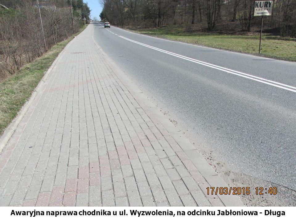 Awaryjna naprawa chodnika u ul. Wyzwolenia, na odcinku Jabłoniowa - Długa