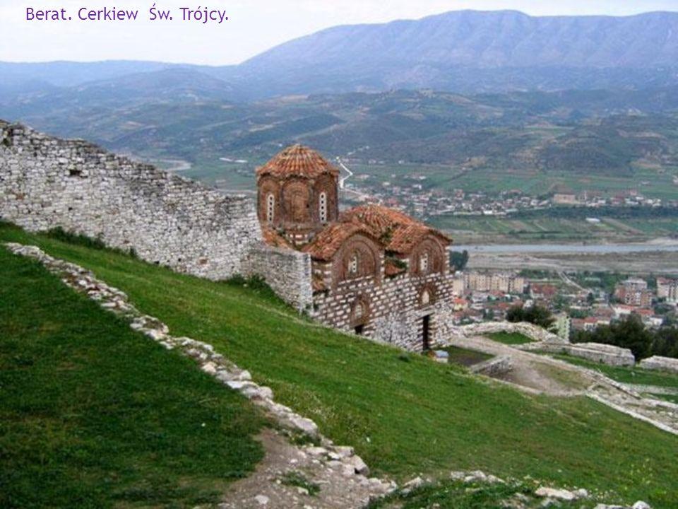 Berat - miasto tysiąca okien.