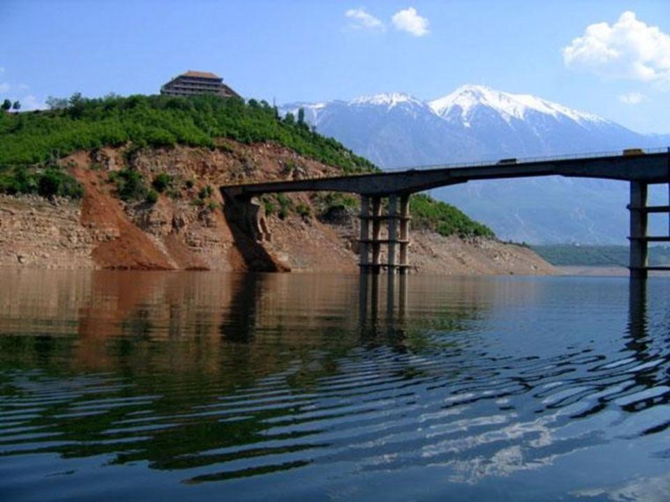 Rzeka Osum w okolicach Berat. Powstała z łez płaczącej dziewczyny…