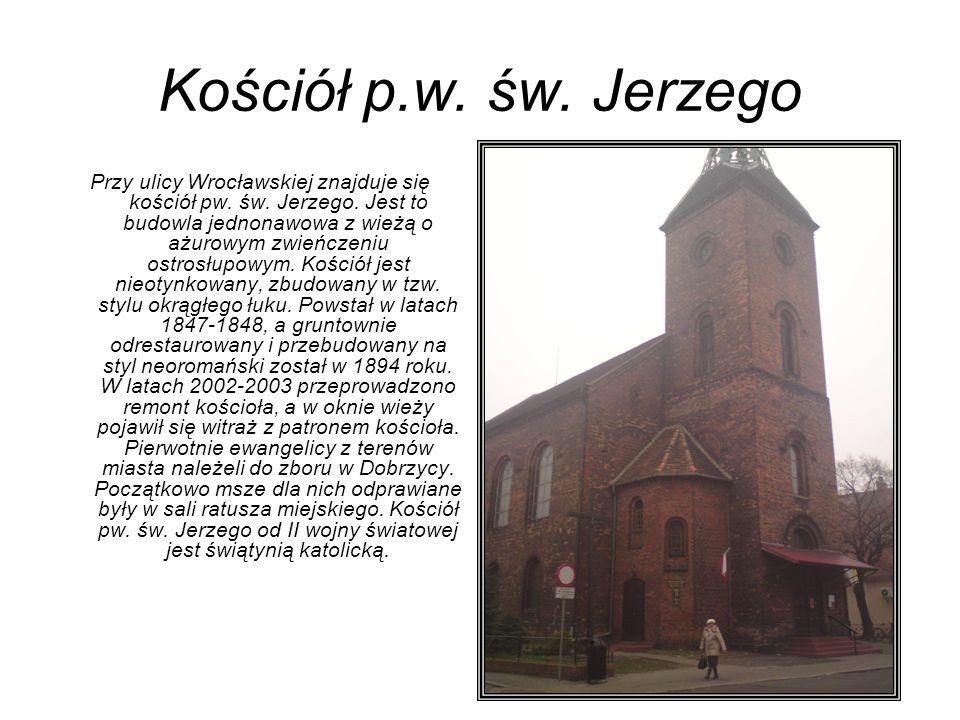 KOŚCIÓŁ PARAFIALNY PW.CHRYSTUSA KRÓLA Przy zbiegu ulic Paderewskiego i T.