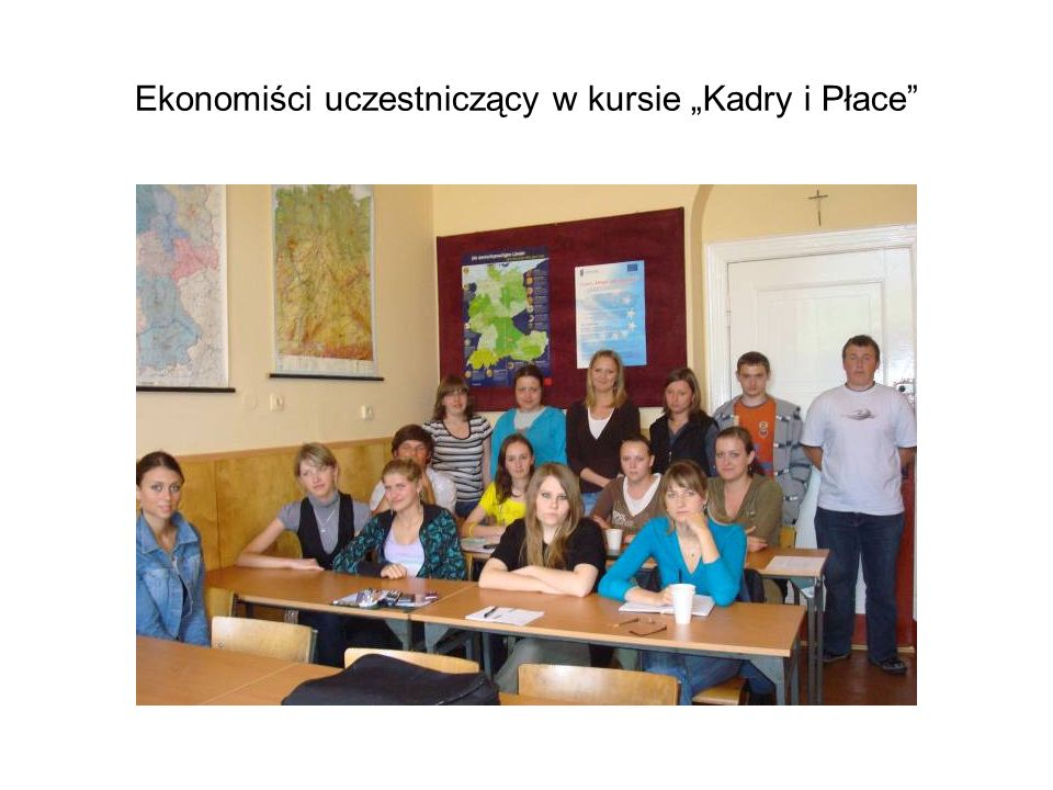 """Ekonomiści uczestniczący w kursie """"Kadry i Płace"""
