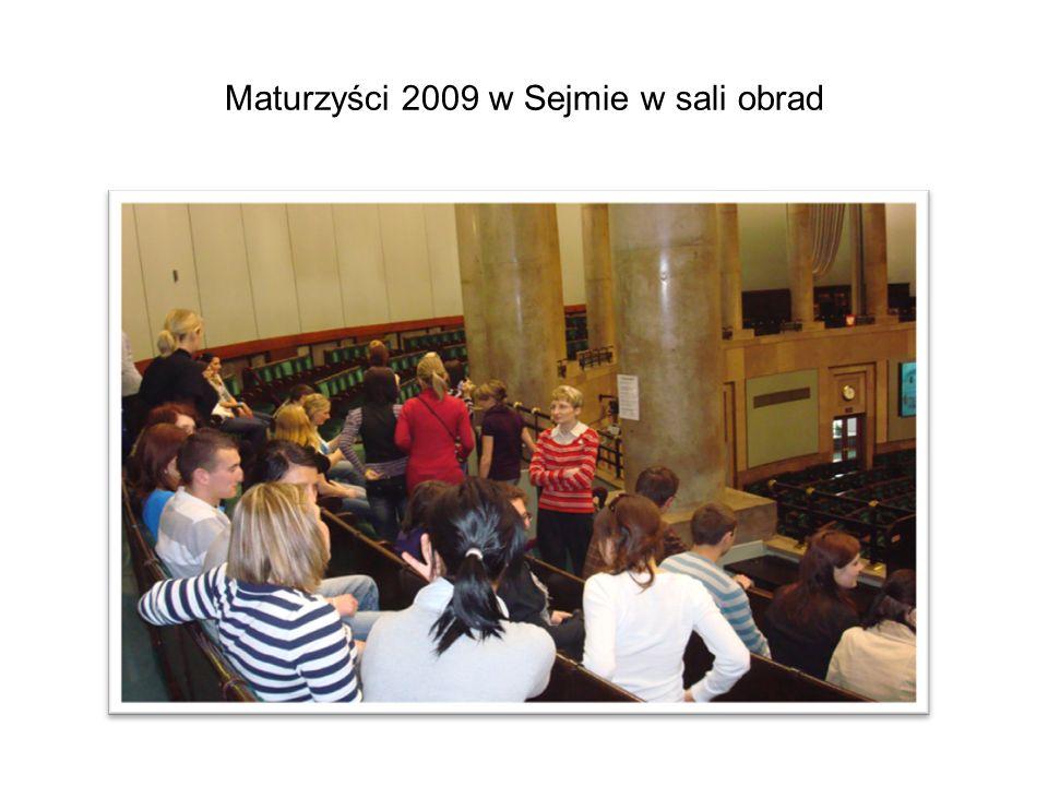 Maturzyści 2009 w Sejmie w sali obrad