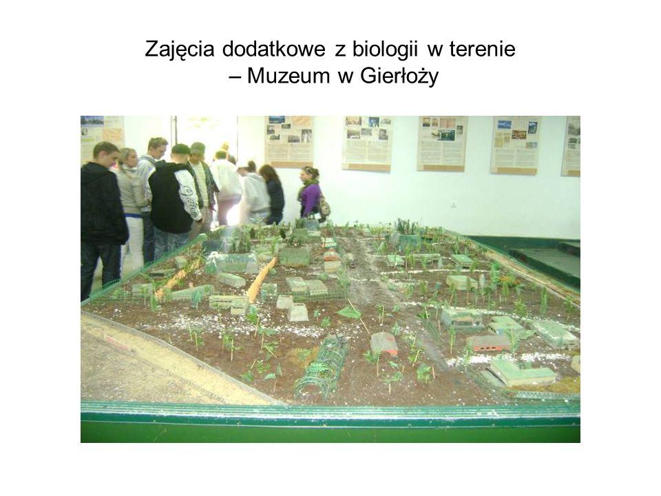 Zajęcia dodatkowe z biologii w terenie – Muzeum w Gierłoży