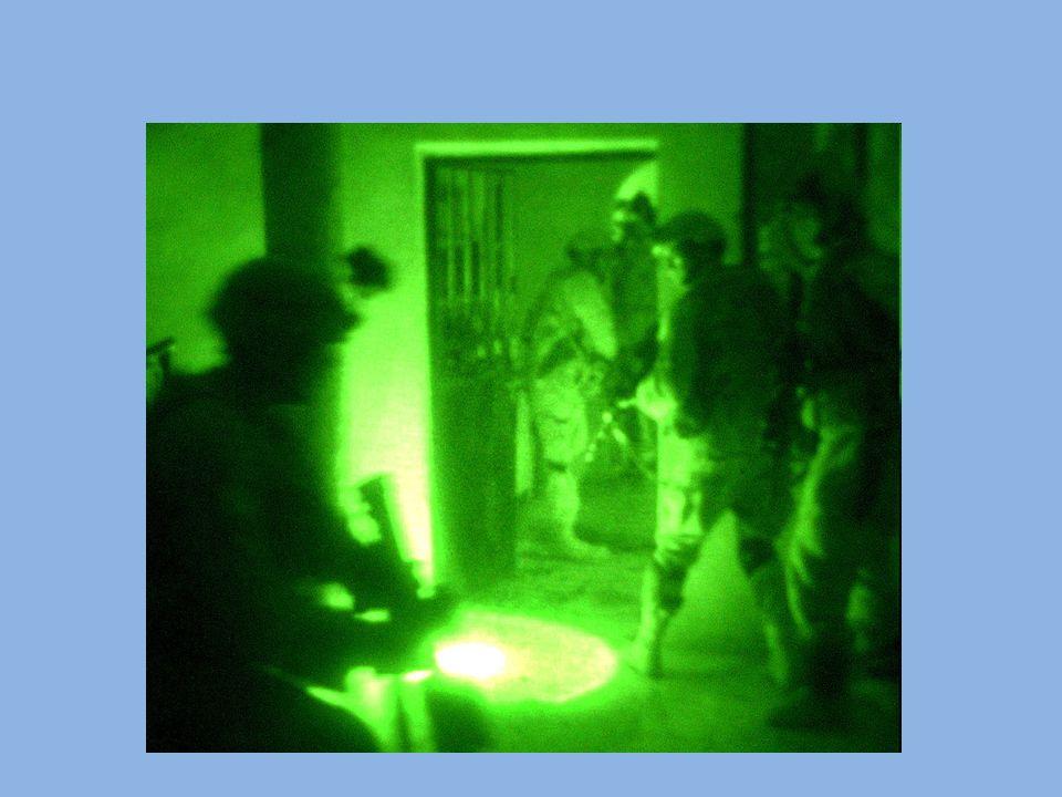 Ultrafiolet Promieniowanie ultrafioletowe jest zaliczane do promieniowania jonizującego, czyli ma zdolność odrywania elektronów od atomów i cząsteczek.