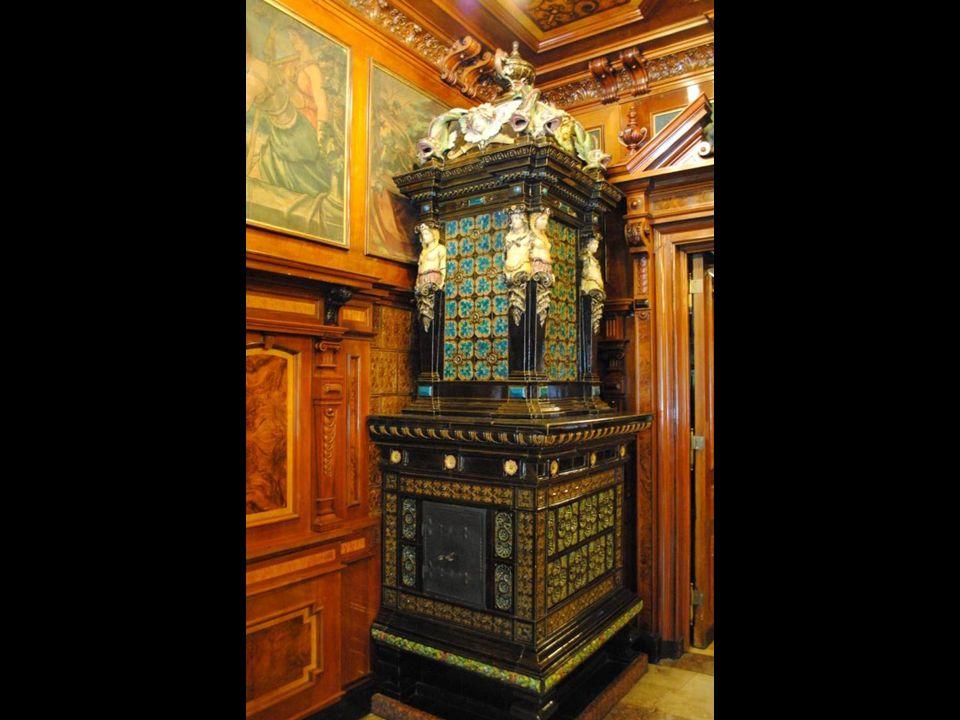 Siedzibą muzeum jest eklektyczny, XIX-wieczny pałacyk Karola Scheiblera, znany z wielu filmów.