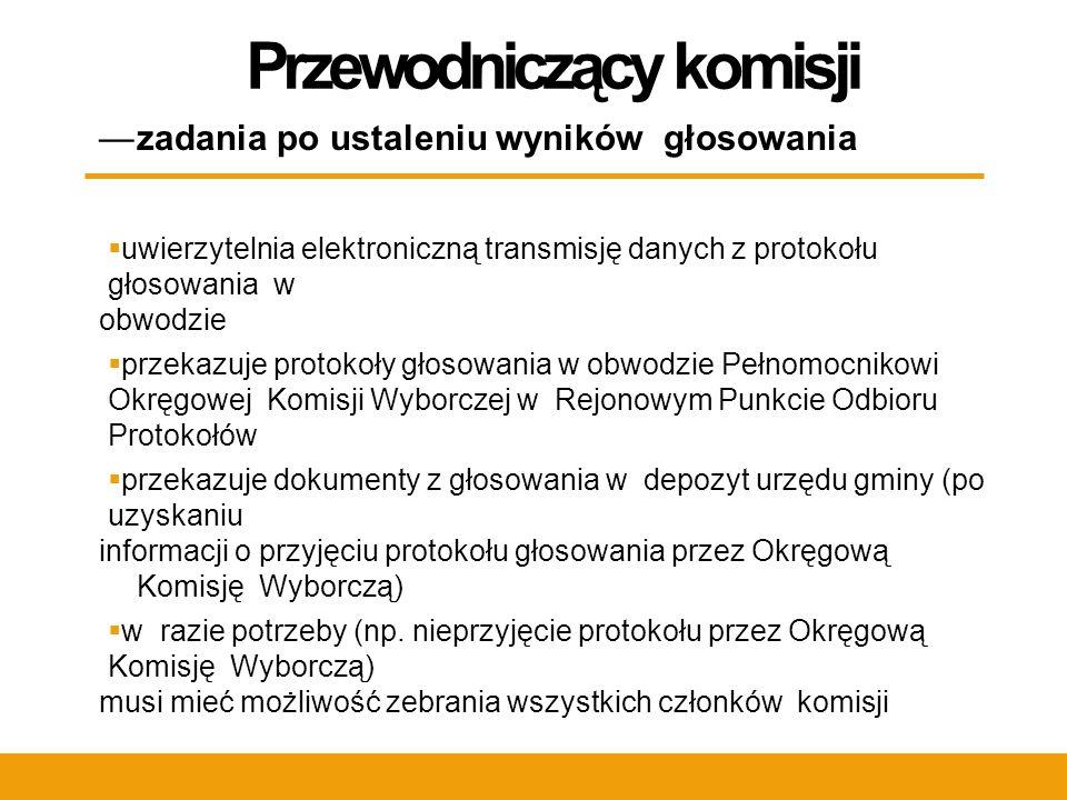 Postępowanie z protokołami  po jednym egzemplarzu protokołu w wyborach do Sejmu i do Senatu umieszczamy w oddzielnych i specjalnie opisanych oraz opieczętowanych kopertach, gdzie wkładamy również stanowisko komisji w sprawie uwag mężów zaufania i członków komisji (o ile takie były) oraz raport ostrzeżeń będący załącznikiem do protokołu (jeśli protokół zawiera wyjaśnienie tych ostrzeżeń)  w kolejną kopertę wkładamy nośnik z elektronicznymi wersjami protokołów głosowania (jeśli nie było wsparcia informatycznego i przesyłu danych przez Internet)  koperty te wraz z drugą wersją protokołu głosowania przekazujemy w rejonowym punkcie odbioru protokołów w gminie pełnomocnikowi Okręgowej Komisji Wyborczej