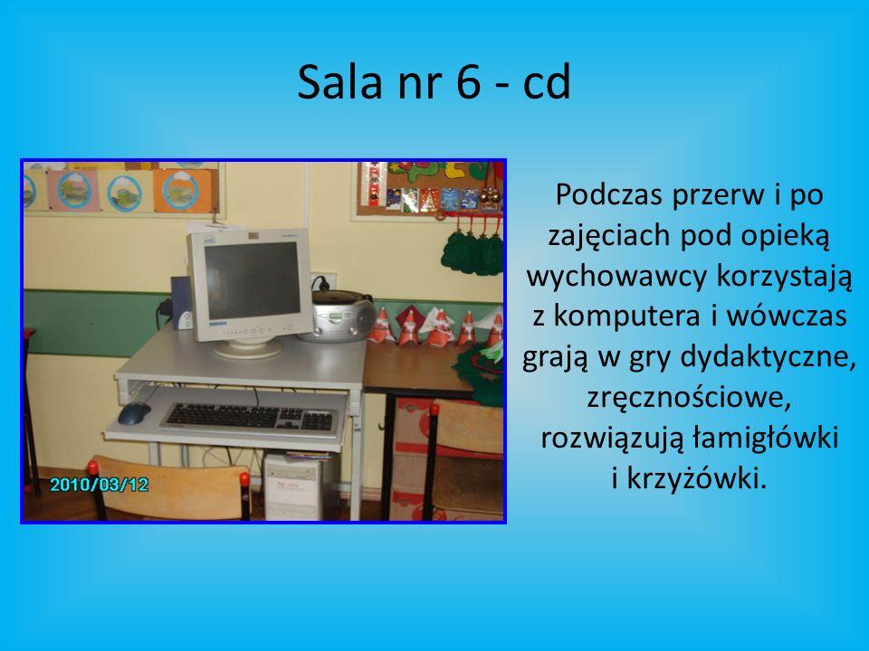 Sala nr 6 - cd Podczas przerw i po zajęciach pod opieką wychowawcy korzystają z komputera i wówczas grają w gry dydaktyczne, zręcznościowe, rozwiązują łamigłówki i krzyżówki.