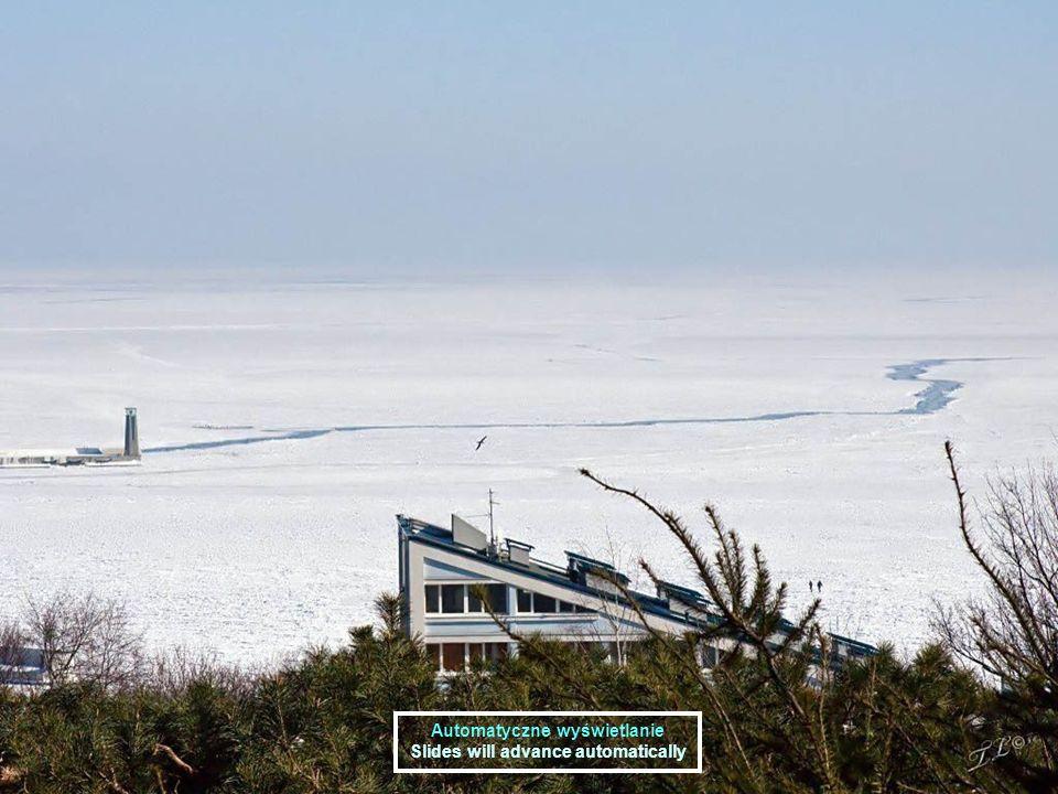Zatoka w lodzie Zatoka w lodzie Wyjątkowo niskie temperatury sięgające poniżej minus 20 stopni Celsjusza utrzymywały się w lutym 2011 na Wybrzeżu gdańskim przez kilkanaście dni.