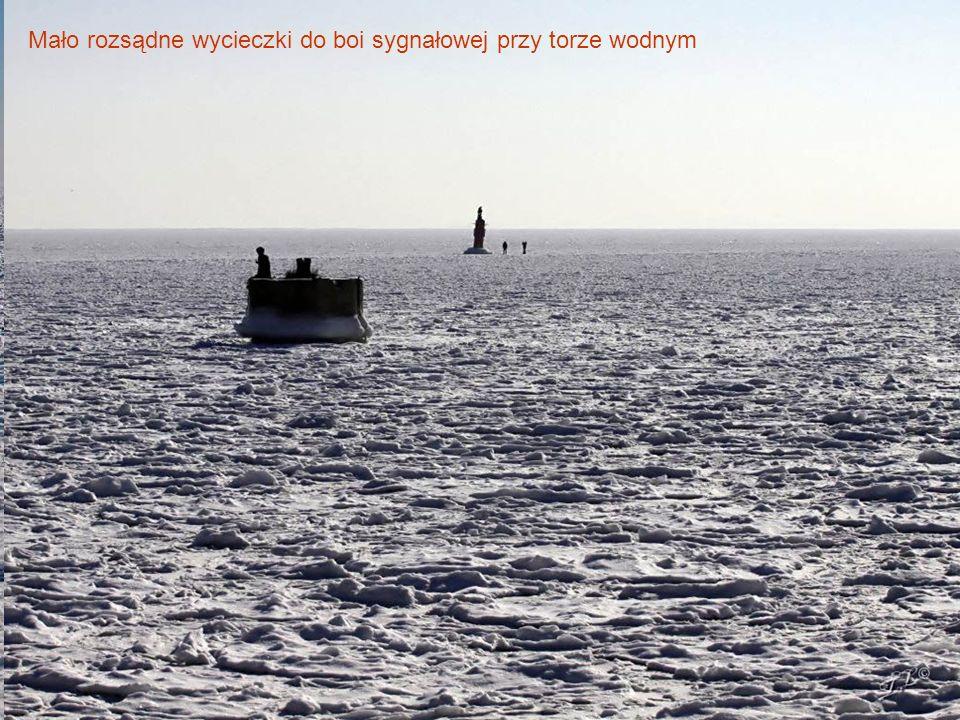 Mało rozsądne wycieczki do boi sygnałowej przy torze wodnym