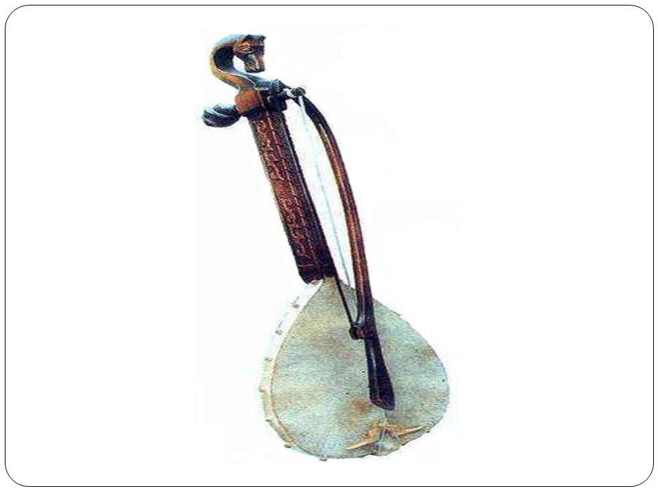 Gęśle Stary, prymitywny, ludowy instrument smyczkowy, którego kształt i strój zmieniał si ę zale ż nie od epoki i terenu.
