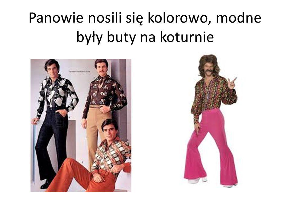 Panowie nosili się kolorowo, modne były buty na koturnie