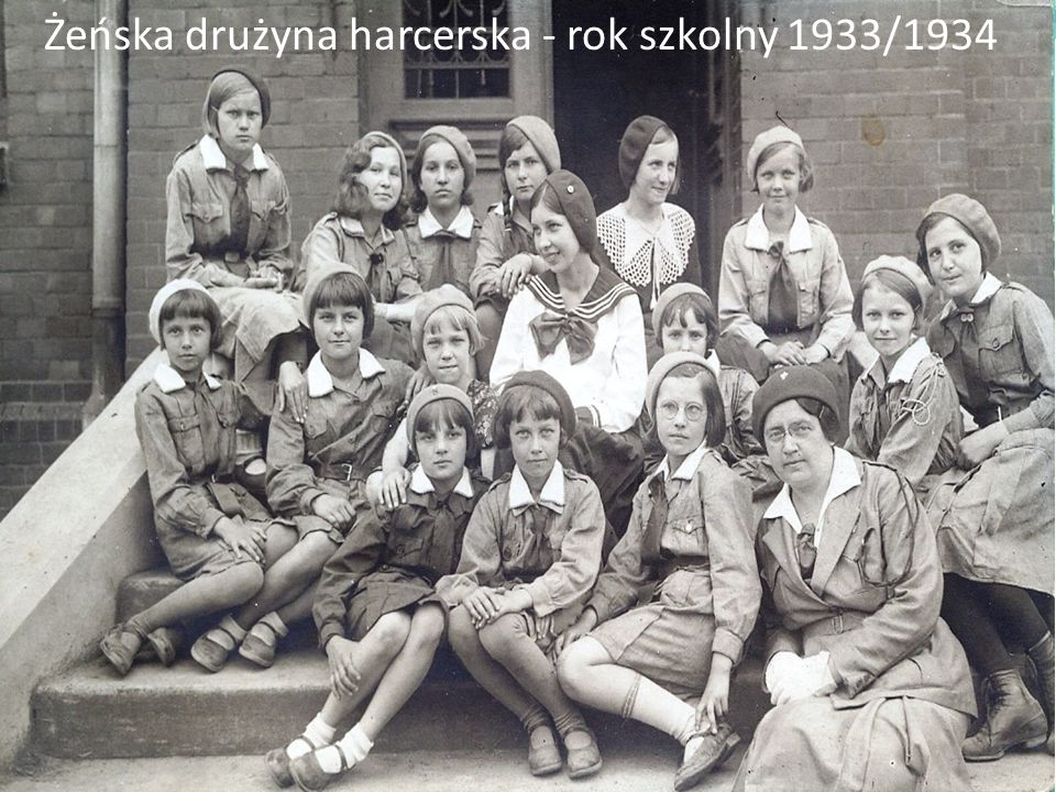 Żeńska drużyna harcerska - rok szkolny 1933/1934