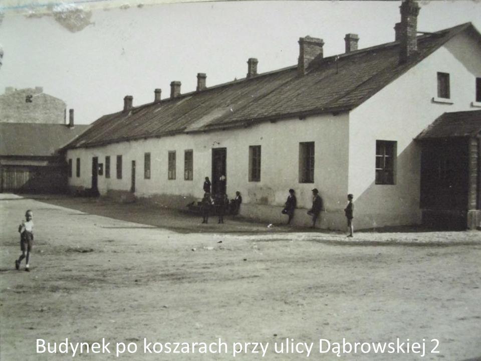 Budynek po koszarach przy ulicy Dąbrowskiej 2