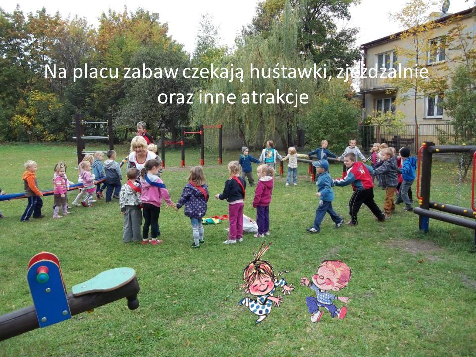 Na placu zabaw czekają huśtawki, zjeżdżalnie oraz inne atrakcje