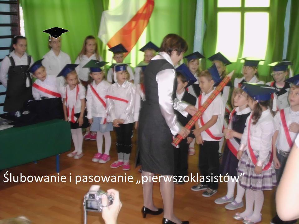 """Ślubowanie i pasowanie """"pierwszoklasistów"""