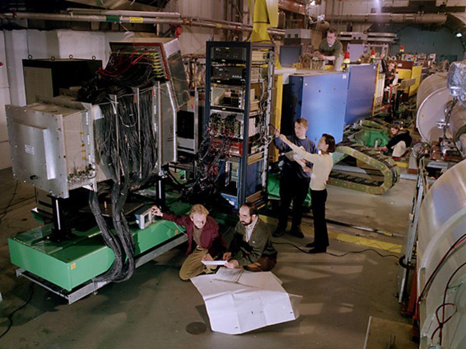 """Dzień Otwarty Wydziału FAIS, 1 czerwca 2012 BRAHMS 22 Spektrometr """"do przodu (Forward Spectrometer)"""